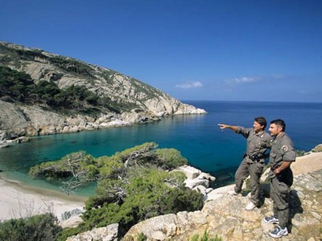 Vacanze in barca a vela all'isola di Montecristo