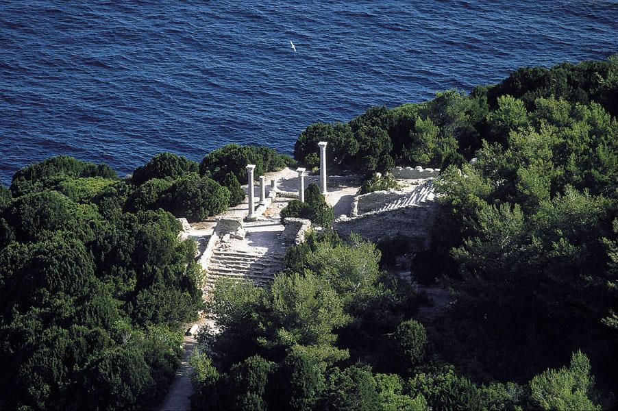 Isola-di-Giannutri-Villa-Romana-dal-cielo-foto-di-Luca-Tamagnini