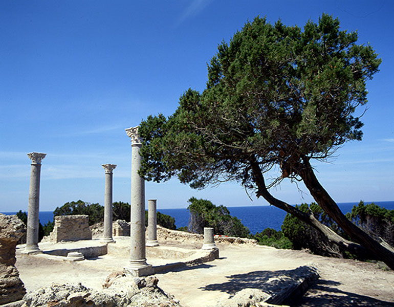 resti romani giannutri barca vela