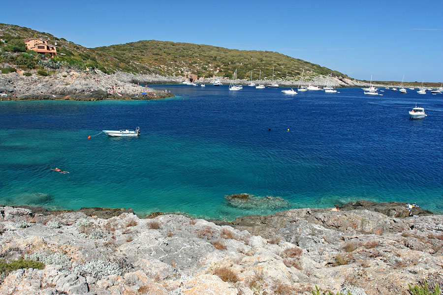 vacanza barca vela giannutri arcipelago toscano