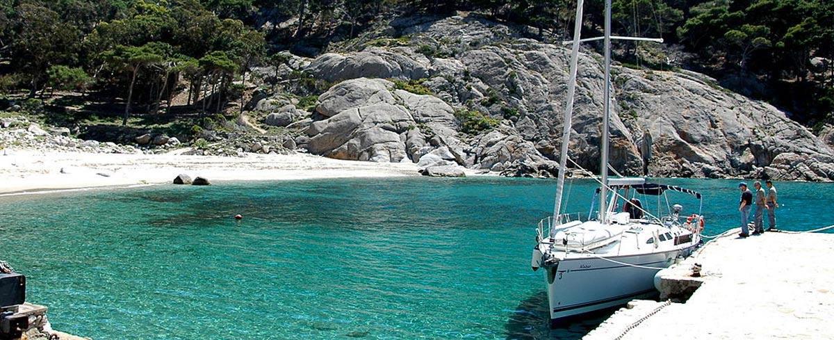 weekend a vela isola montecristo