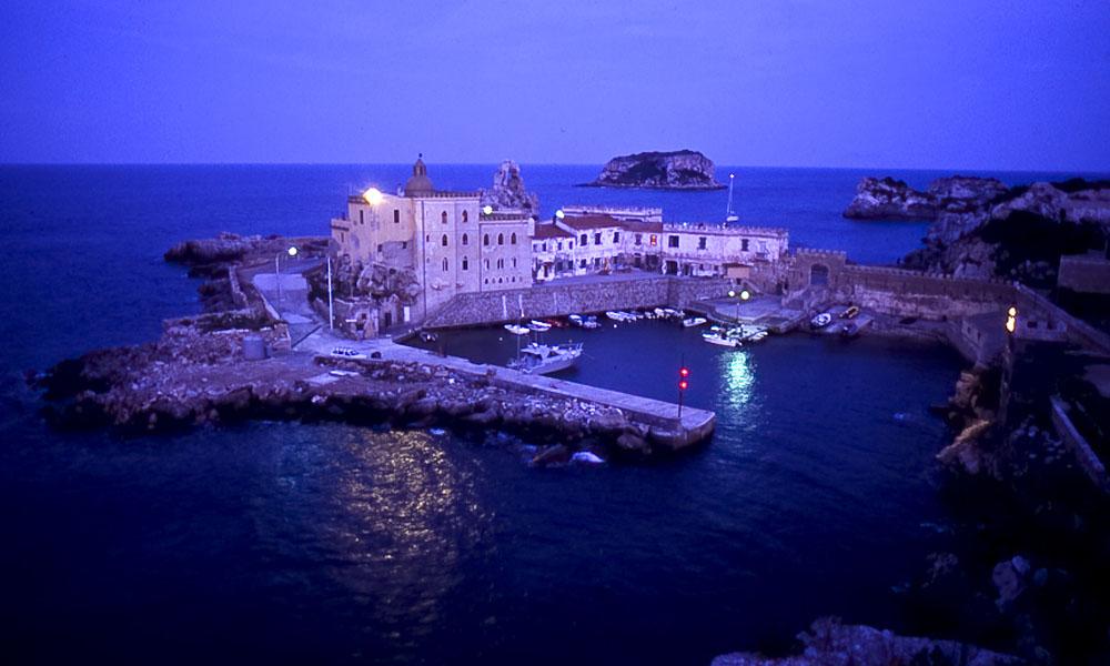 vacanza a vela pianosa arcipelago toscano