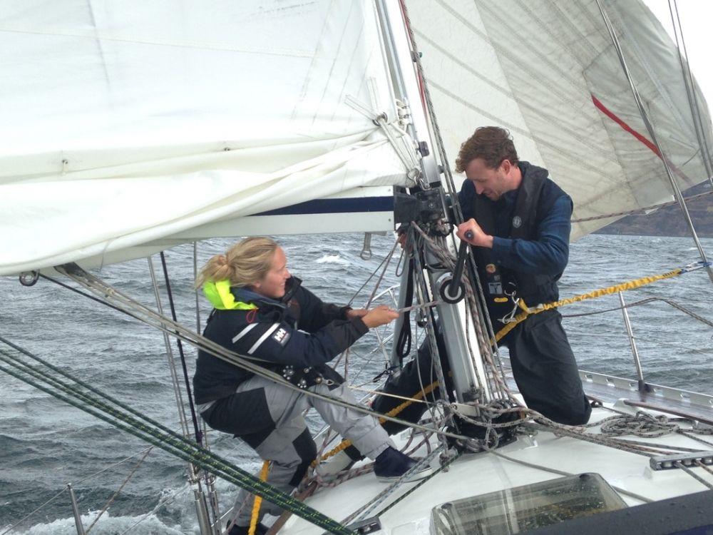 Corso di barca a vela invernale d'altura e corso da skipper a castiglion pescaia, follonica in toscana