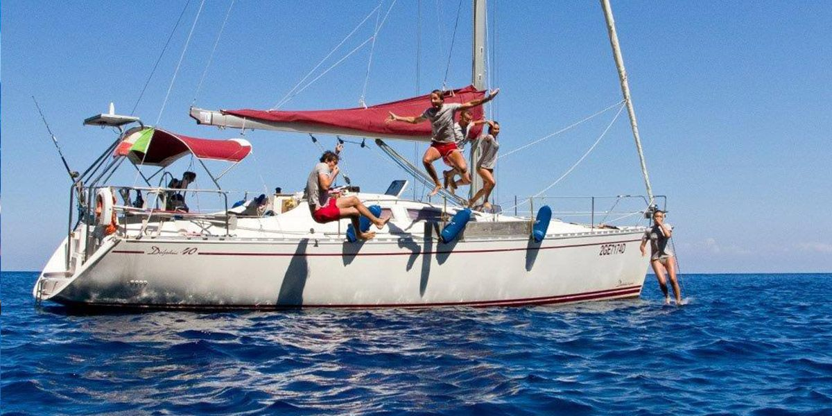Noleggio barca a vela con skipper nell'arcipelago toscano, isole pontine ed Eolie
