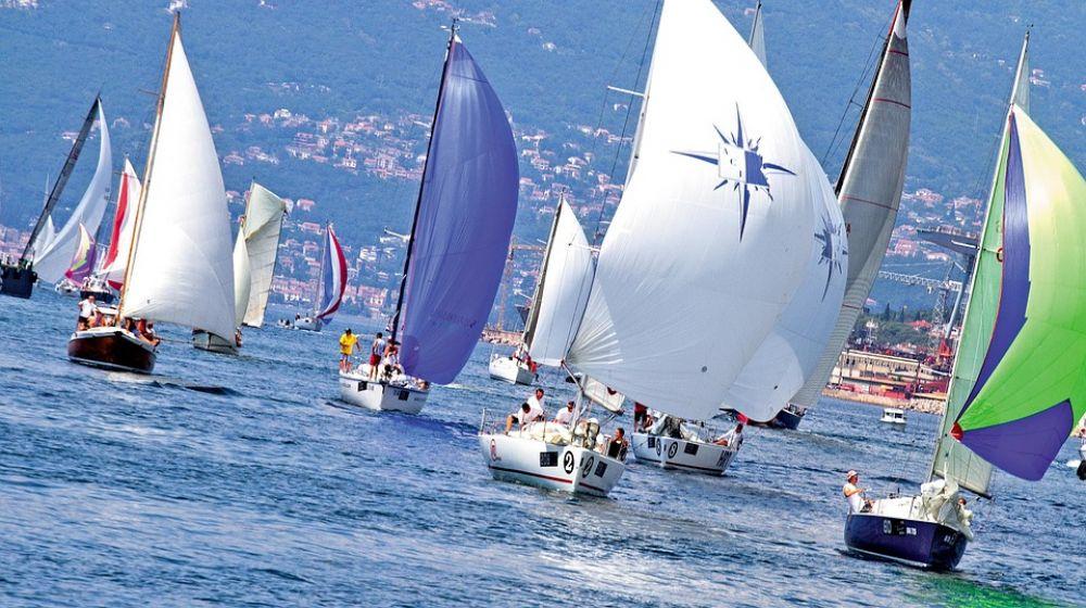 """Come Partecipare alla regata in barca a vela """"la 100 di Montecristo"""""""