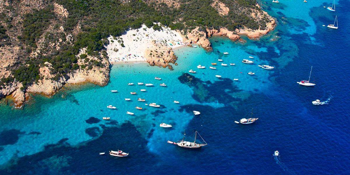 Vacanze in barca a vela in sardegna nell'arcipelago della Maddalena, Settimana a vela con uno skipper esperto