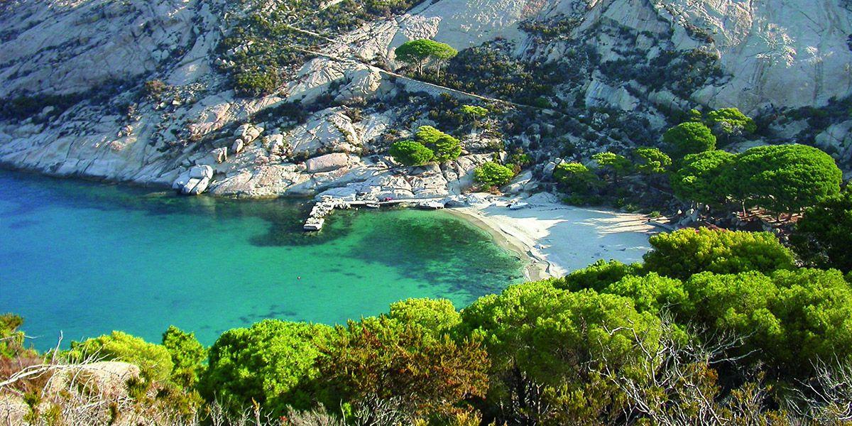 Vacanze in Barca a Vela a montecristo nell'arcipelago toscano, Weekend e mini crociere a vela con uno skipper esperto